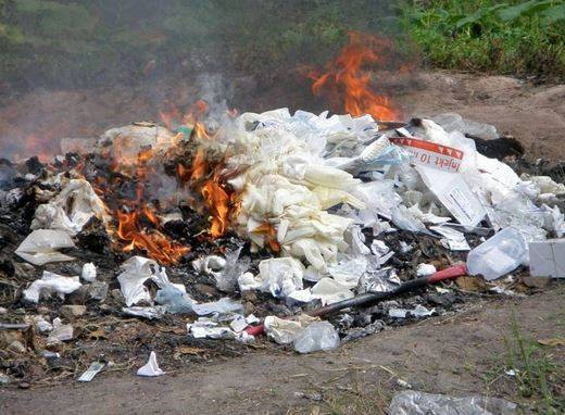 Inilah 3 Alasan Untuk Tidak Membakar Sampah Plastik