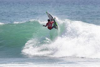 16 Adriano de Souza Hurley Pro Trestles foto WSL Sean Rowland