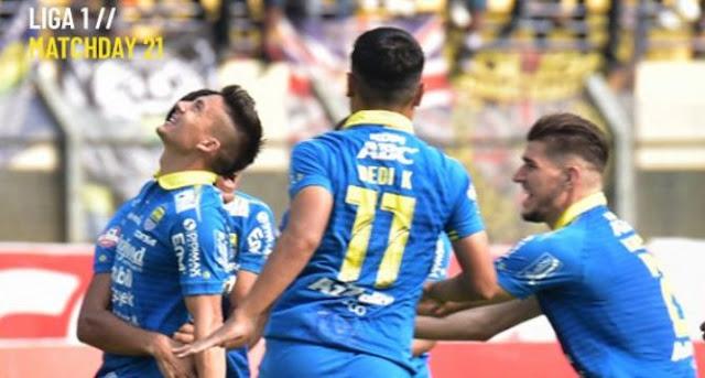 Persib Bandung vs Arema FC 3-0