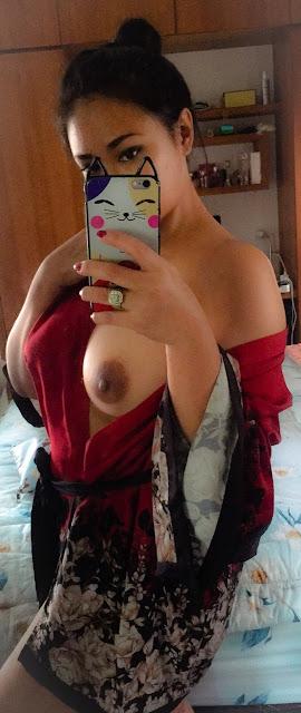 Foto Bugil Tante Girang Cantik dan Seksi