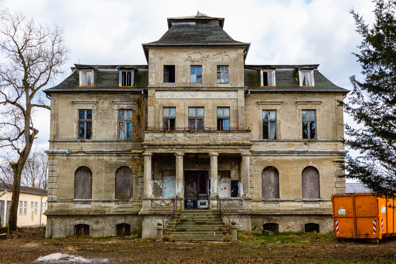 Richter's villa: The forgotten farmhouse | Abandoned Berlin
