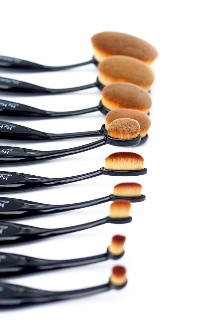 Artis oval brushes 20 dupe set barely there beauty for Brush craft vs artis