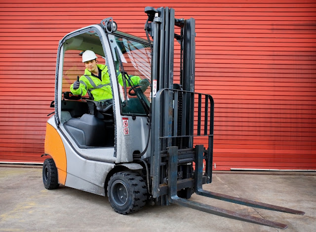How To Be A Professional Forklift Driver