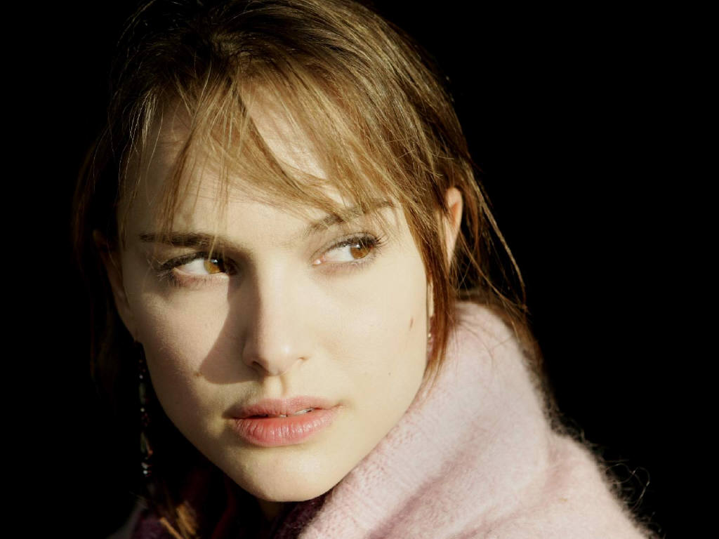 Natalie Portman Hot Pictures, Photo Gallery  Wallpapers-8223