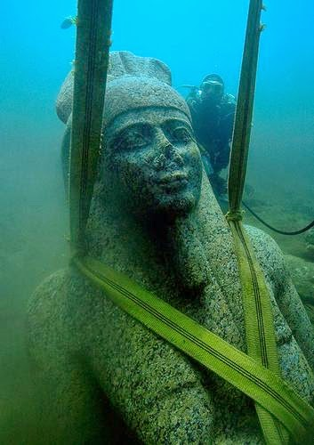 A colossal statue of red granite (5.4 m) representing the god Hapi, the god of the Nile, which decorated the temple of Heracleion.