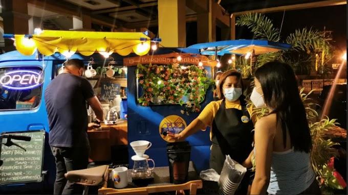 The Blu Kitzen food truck spotted in Plazuela Dos Iloilo