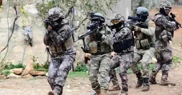 Βίντεο: Τούρκοι στρατοχωροφύλακες παραλίγο να... βυθιστούν μόνοι τους στον Έβρο!