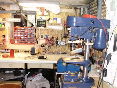 Kleinteilemagazin Werkzeugwand Schraubstock Tischbohrmaschine