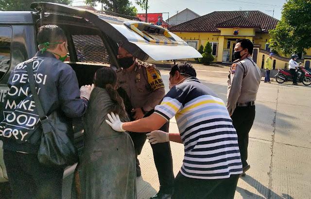 Polisi Polsek Bukateja Bantu Amankan Wanita Dengan Gangguan Jiwa