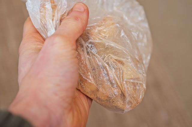 Chapelure - Chapelure faite-maison - cuisine - cooking - réutiliser restes de pain - pain rassis - miettes - pain
