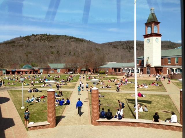 Quinnipiac university admissions essay