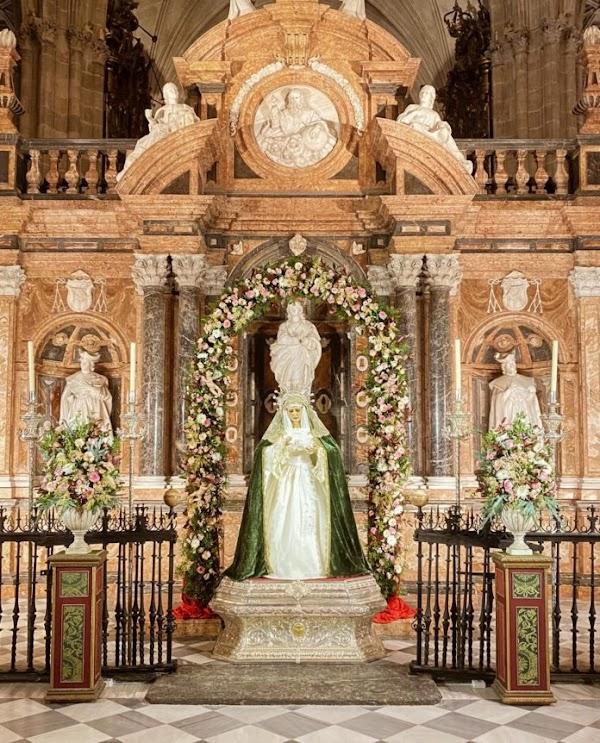 Crónica de la celebración del 75º aniversario de la bendición de Mª Stma. del Amor y la Esperanza de Málaga
