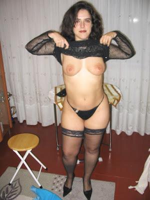 Madura cuarentona culona desnuda