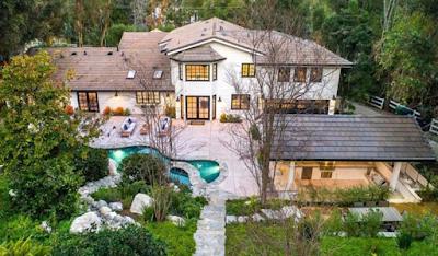 Miley Cyrus buys new 6-bedroom mansion worth $4.95million
