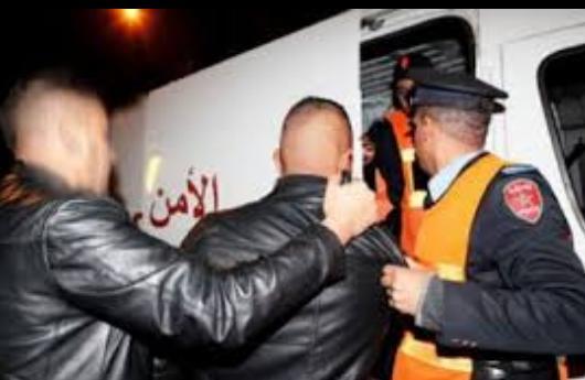 أولاد تايمة .. عناصر الأمن توقف أشهر مروج للقرقوبي وسط المدينة
