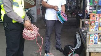 Polisi Karawang Kota Razia Penjual Kembang Api dan Petasan