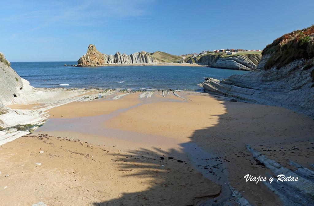 Playa de Cerrías, Costa Quebrada
