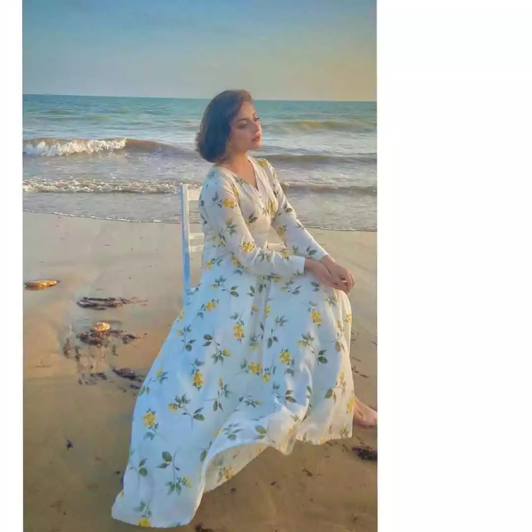 Alizeh Shah Latest And Amazing New Pictures