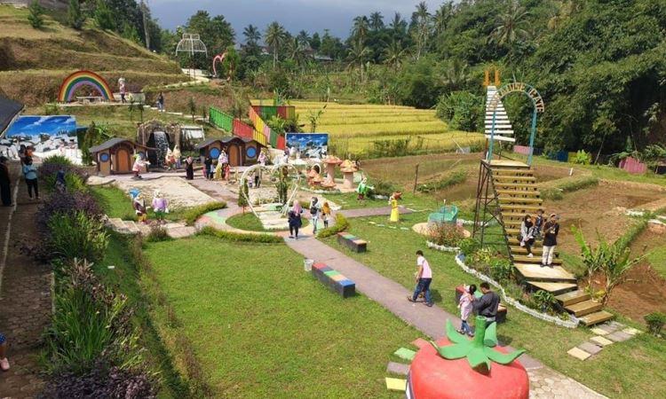 Batu Apung Alam Hijau, Wisata Keluarga & Edukasi Terbaik di Purwakarta