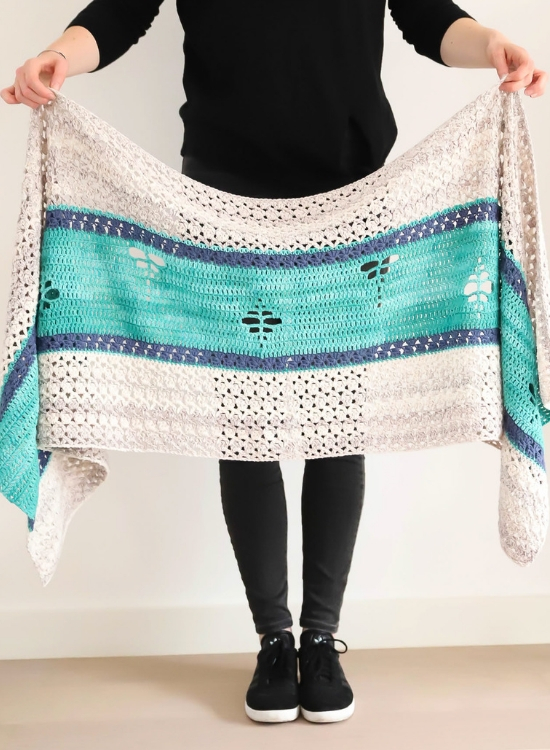 The Merhaba Shawl, crochet pattern by Happy in Red