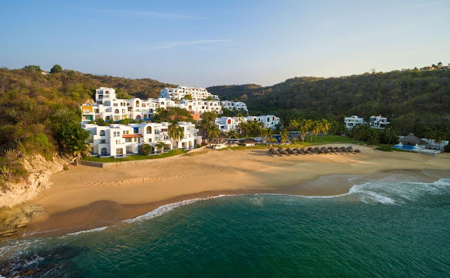 Camino Real Zaashila Huatulco is a unique concept in Huatulco that has found a perfect harmony between nature and the man's creation with a Mediterranean architecture, extending over the hill to the edge of the Rincón Sabroso beach.