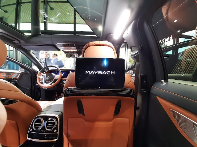 Luxury Mercedes-Maybach S650 interior