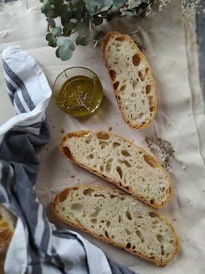 Pan con masa vieja en cazuela