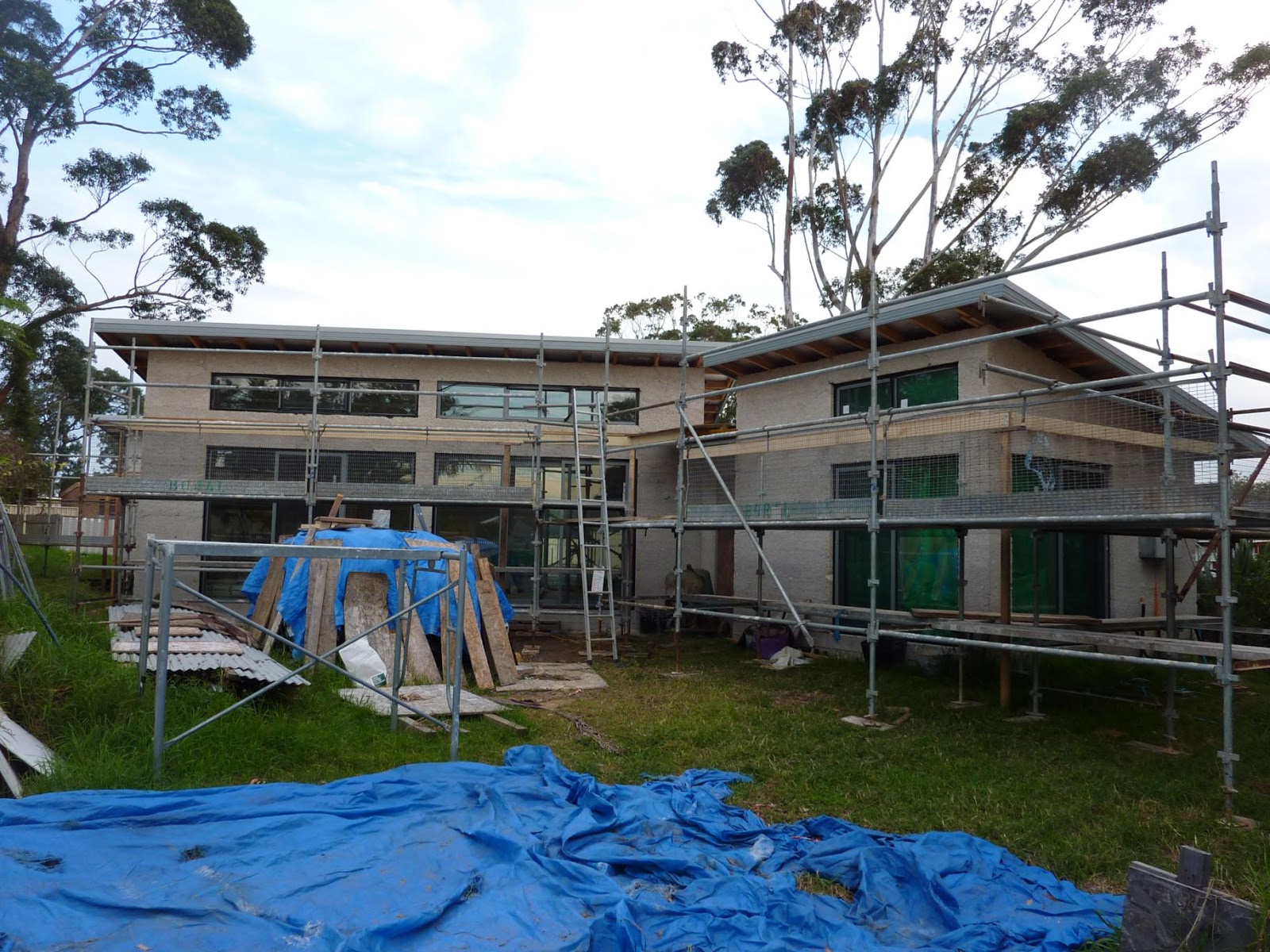 Culburra Hemp House Awning Roof Goes On