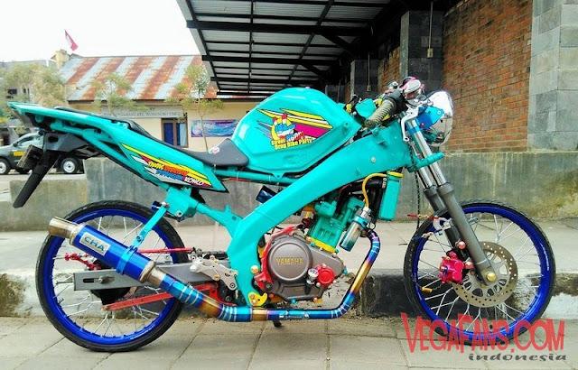 Foto Modifikasi Vixion Thailook Style Warna Biru