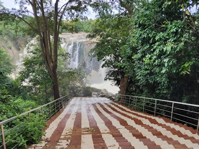 Attractive View of the Entrance of the Gundicha Ghai Waterafall