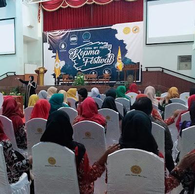 Pembicara Seminar Nasional Wirausaha, Tips Memulai Bisnis Untuk Mahasiswa di Kampus Universitas PGRI Yogyakarta (by: Wenny Consulting)