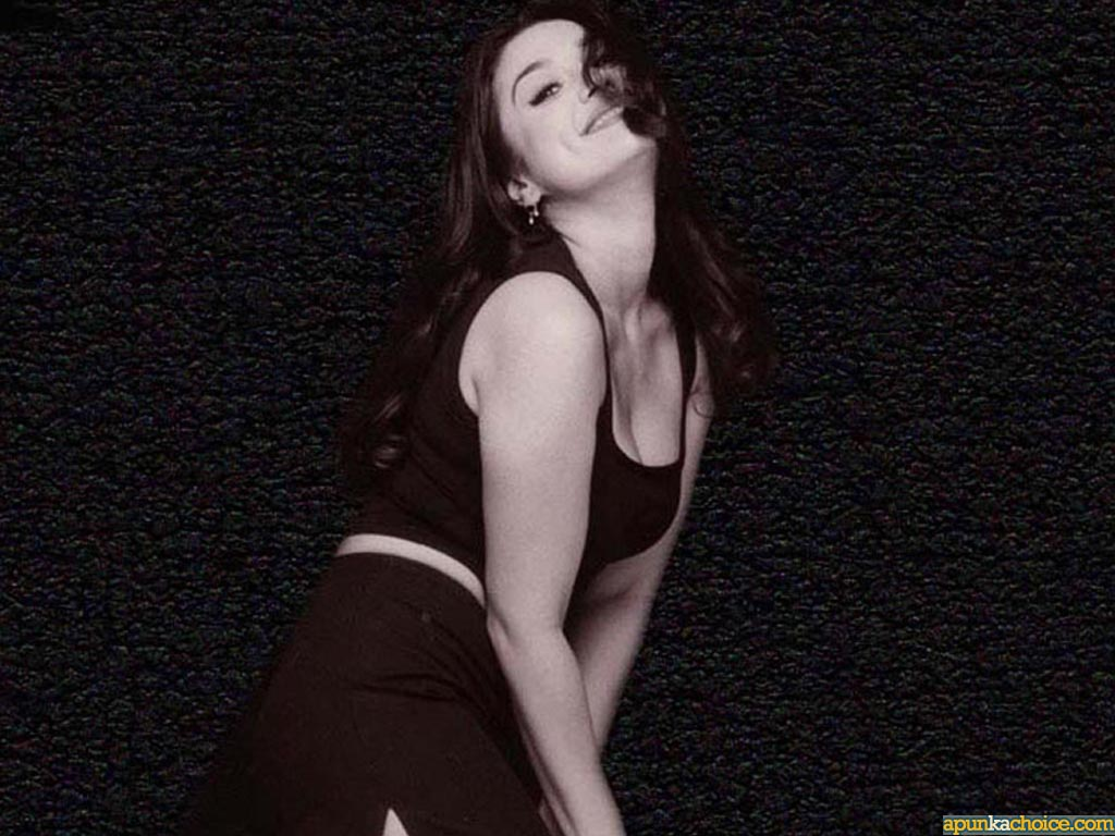 Preity Zinta 6  Hot-Celebs-Wallpapers-3689