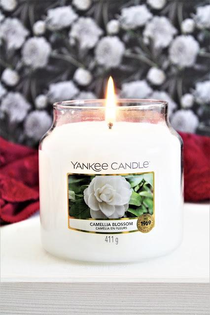 Yankee Candle Camélia en Fleurs avis, bougie camélia en fleurs, bougie parfumée printemps, bougie parfumée fleurie, yankee candle camellia blossom, camellia blossom yankee candle, avis yankee candle camélia en fleurs, new yankee candle
