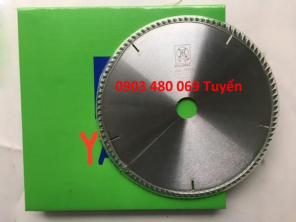 luoi-cua-cat-go-yuehong-255x100t