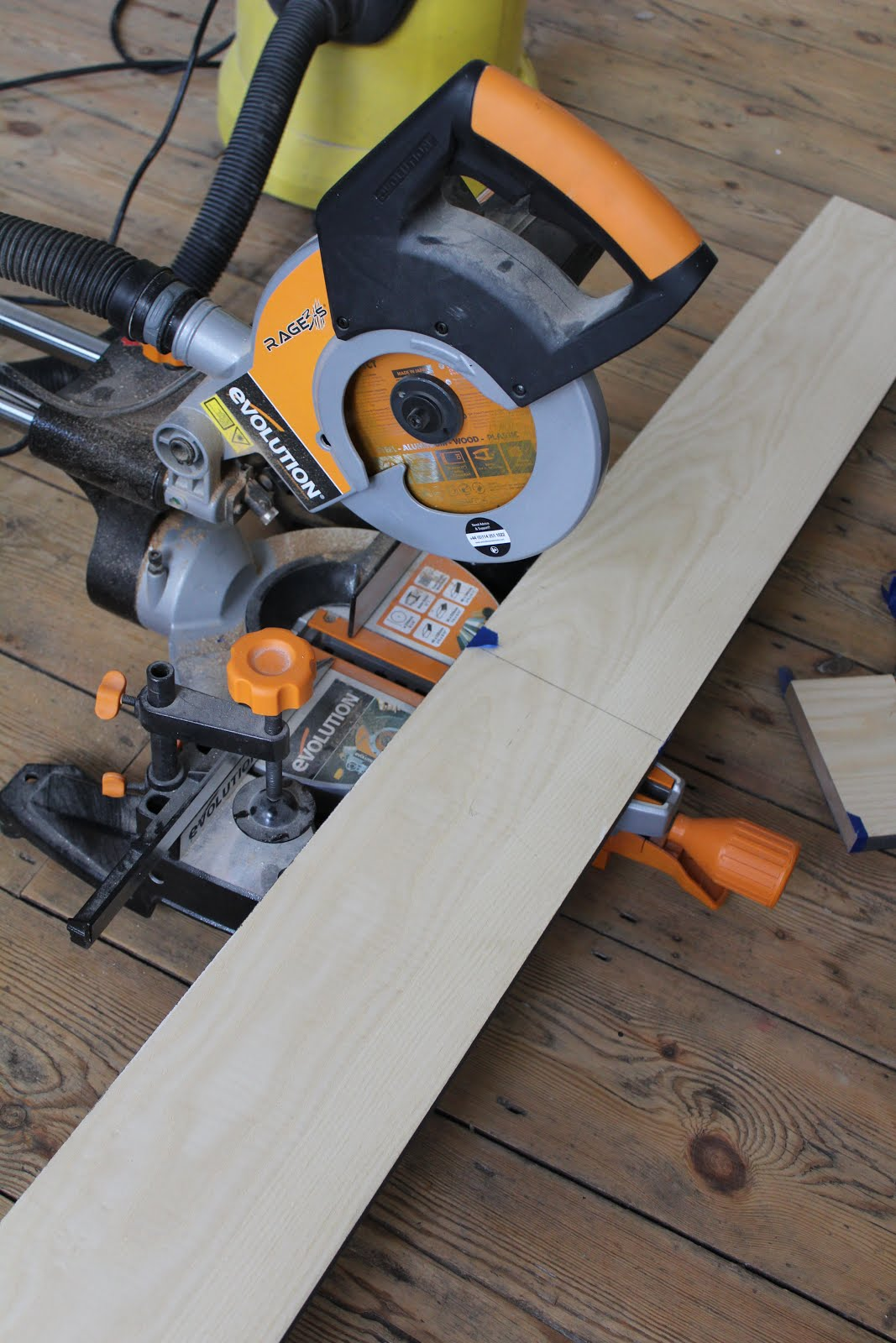 Cutting plinths with mitre saw