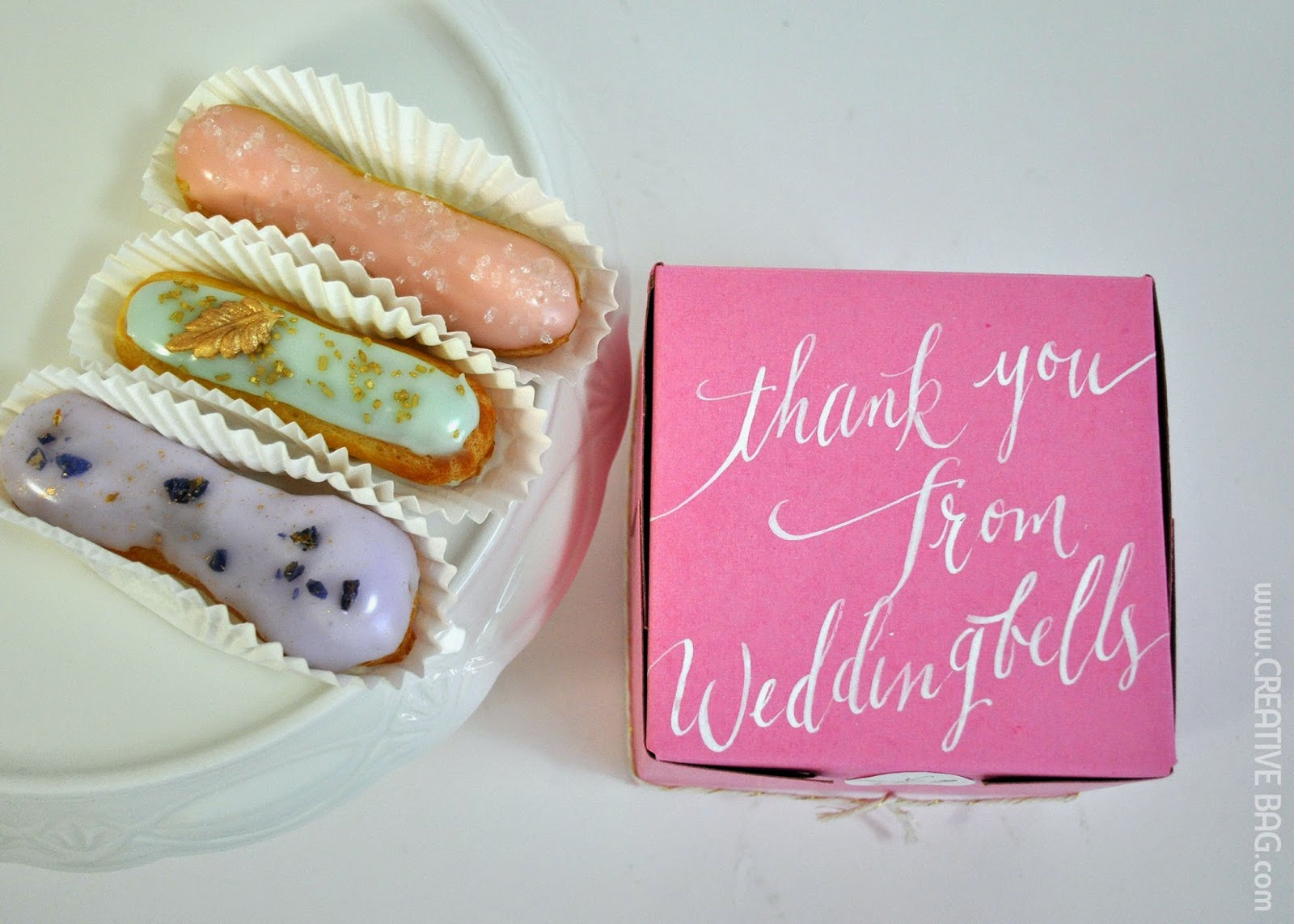 eclair favors - bakery boxes with beautiful calligraphy | creativebag.com