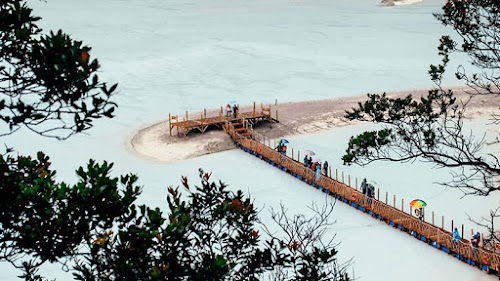 Ciwidey White Crater is a Beautiful and Stunning Natural Adventure Destination