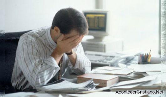 Pastor sufre con estrés
