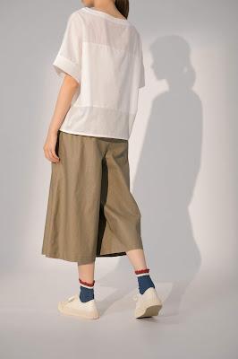 星期三的散步卡其褲裙