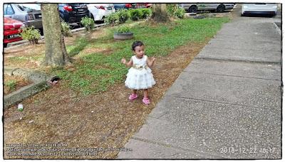 Gambar gaun putih kanak-kanak bayi berusia setahun