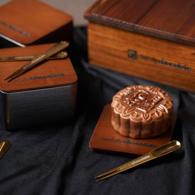 AWFULLY CHOCOLATE CLASSIC BAKED MOONCAKES FOR MID-AUTUMN FESTIVAL 2021