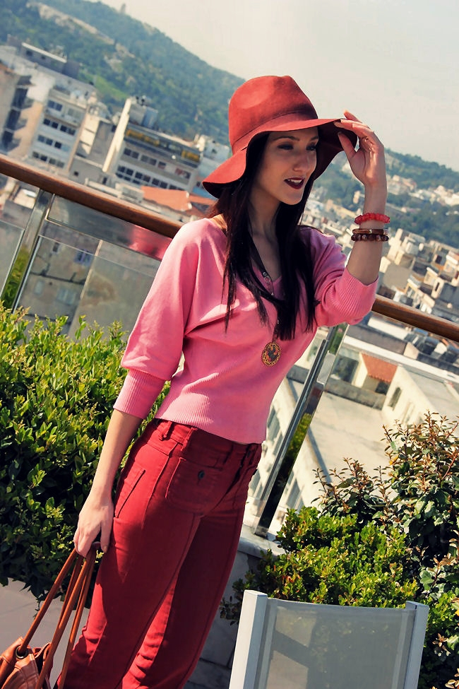 Pull&Bear burgundy hat