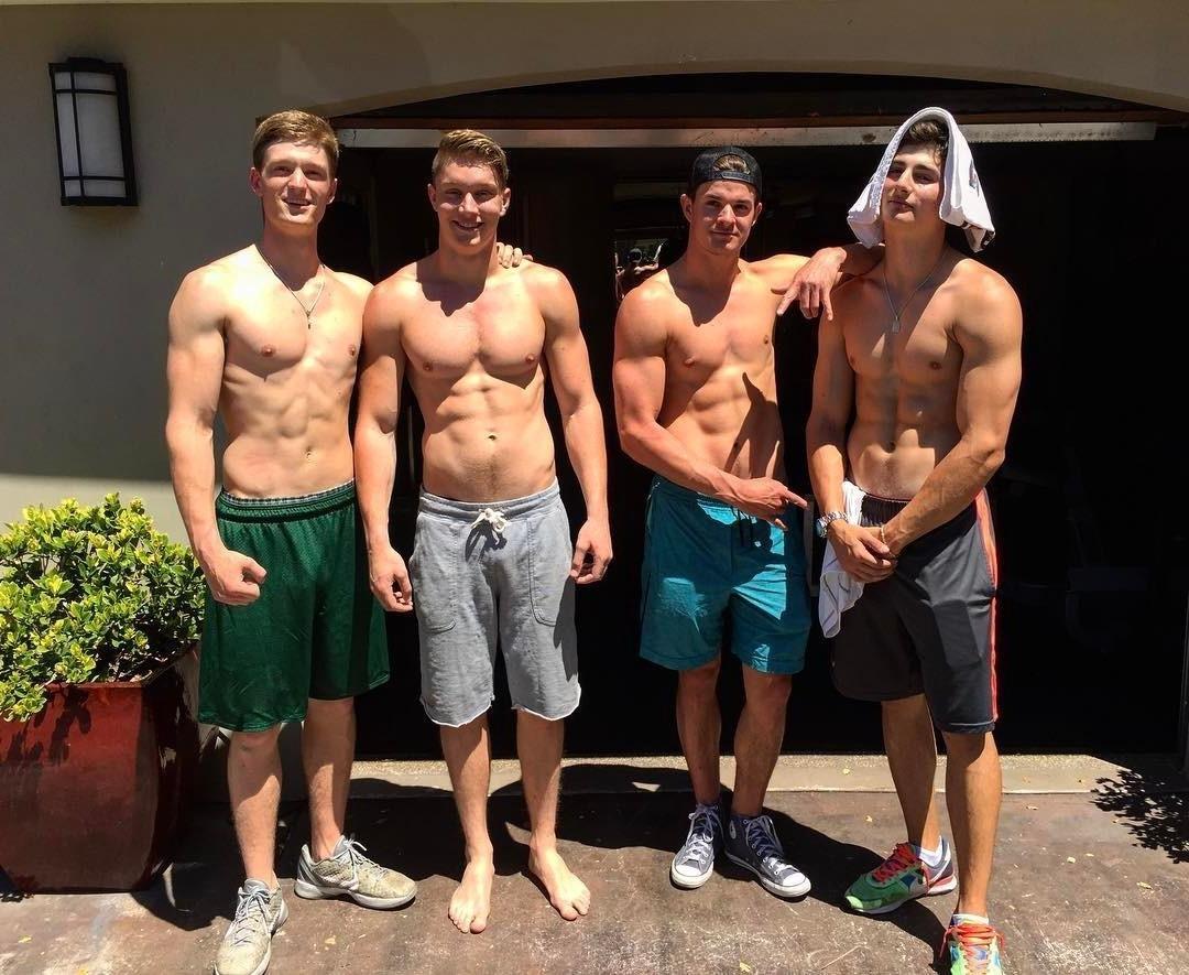 sexy-shirtless-american-college-frat-muscle-jocks