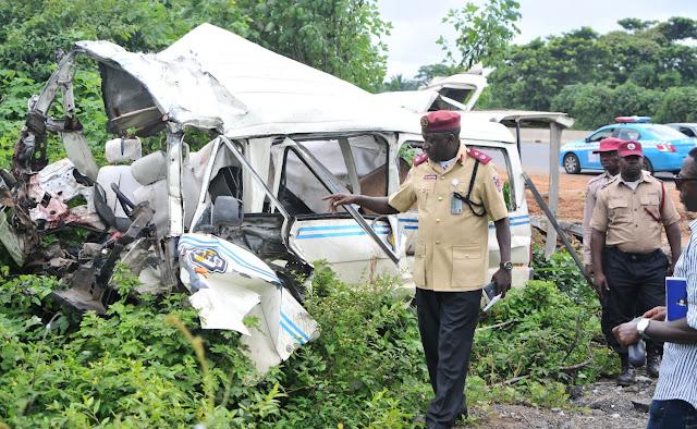 Auto-crash-kills-30,-injures-10-along-Lagos-Ibadan-Expressway