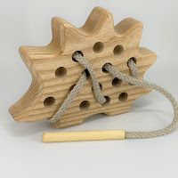 Lotes wooden toys, TT17, Threading Hedgehog