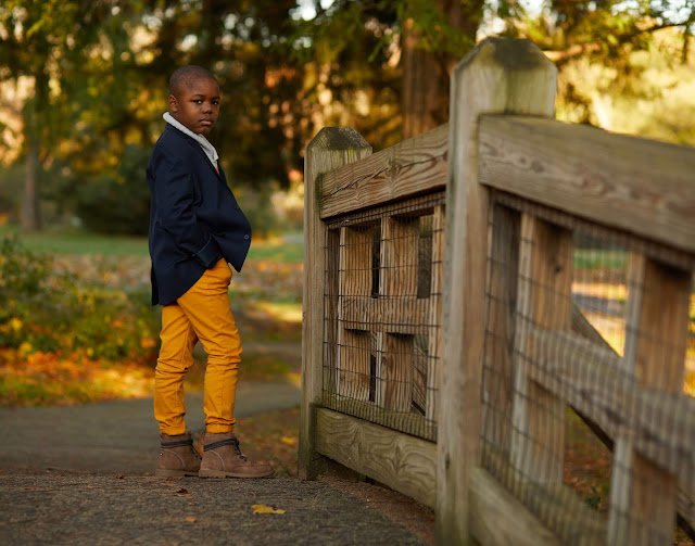 Fall Family Portraits-autumn-November-photography-family-kids-85mm-5d-park-photos