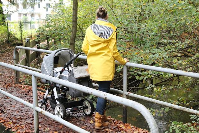 Herbstspaziergang mit Baby Waldspaziergang raus in die Natur Wickeltasche für Maenner und Frauen Jules kleines Freudenhaus