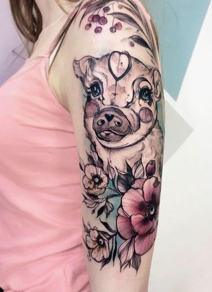Tatuaje de cerdo en el brazo