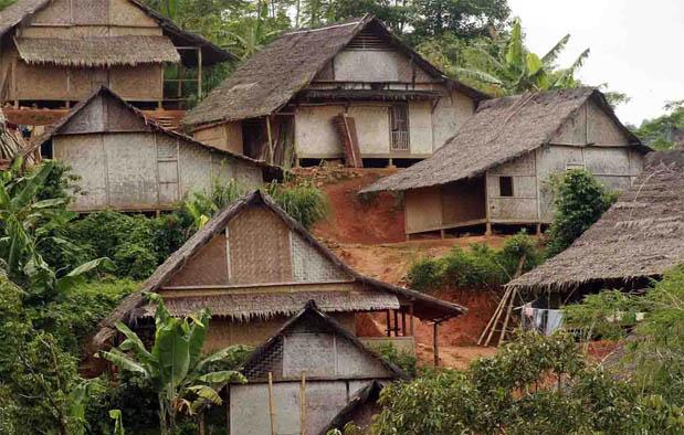 Banten adalah sebuah provinsi yang terletak di ujung Barat Pulau Jawa Rumah Adat Banten (Sulah Nyanda), Gambar, dan Penjelasannya