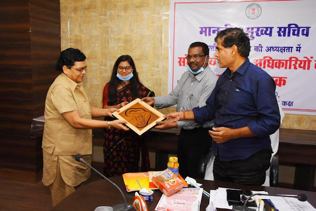 Chief Secretary inspects Adarsh Kanya Ashram Singarbhat